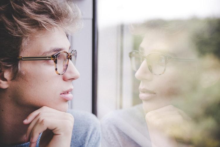 Apprendre la télépathie - transmission de la pensée - homme
